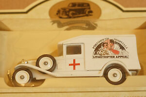 Rare-Models-of-Promotion-Colwyn-Way-Routemaster-Bus-and-Portsmouth-Hospital-Van