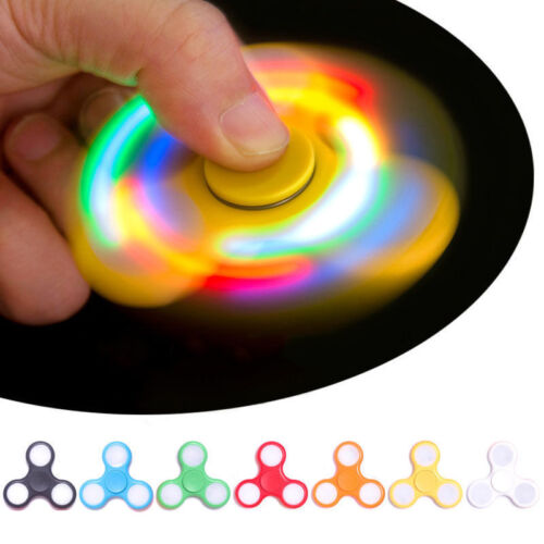 NUOVO LED LAMPEGGIANTE A MANO Spinner LUCE Fidget Dito Spinner Stress Sollievo UK STOCK