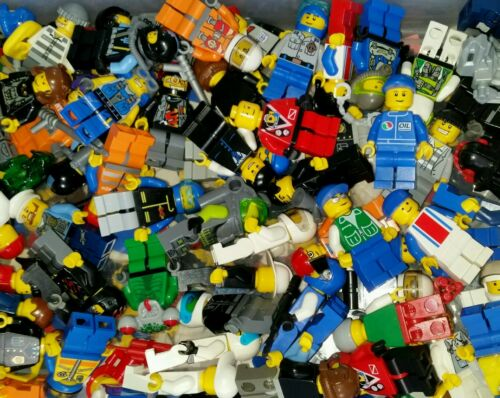 LEGO City Minifigure 1 complete Randomly picked guy /& accessory space city grab
