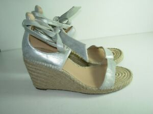 WOMENS-SILVER-LEATHER-BADGLEY-MISCHKA-ANKLE-WEDGE-SANDALS-HEELS-SHOES-SIZE-9-M