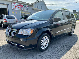 2013 Chrysler Town & Country TOURING,NAVIGATION, BACK UP CAMERA