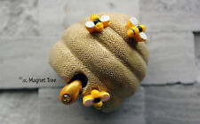 BRAND NEW CLAY CRITTERS MAGNET - BEEHIVE & BEES with Swarovski Crystal Elements