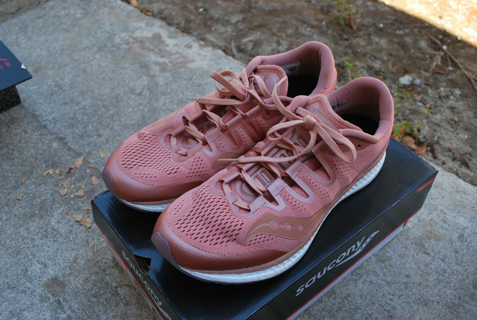 USED SAUCONY FREEDOM ISO SALMON - S20355-52 S20355-52 S20355-52 SIZE 11.5 b23a96