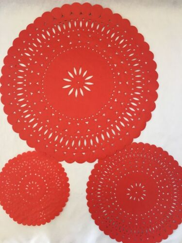 """13.5/"""" DOILY CHRISTMAS RED PAPER LACE DOILIES FOR PARTIES /& CRAFTS  6/"""" 8.5/"""""""