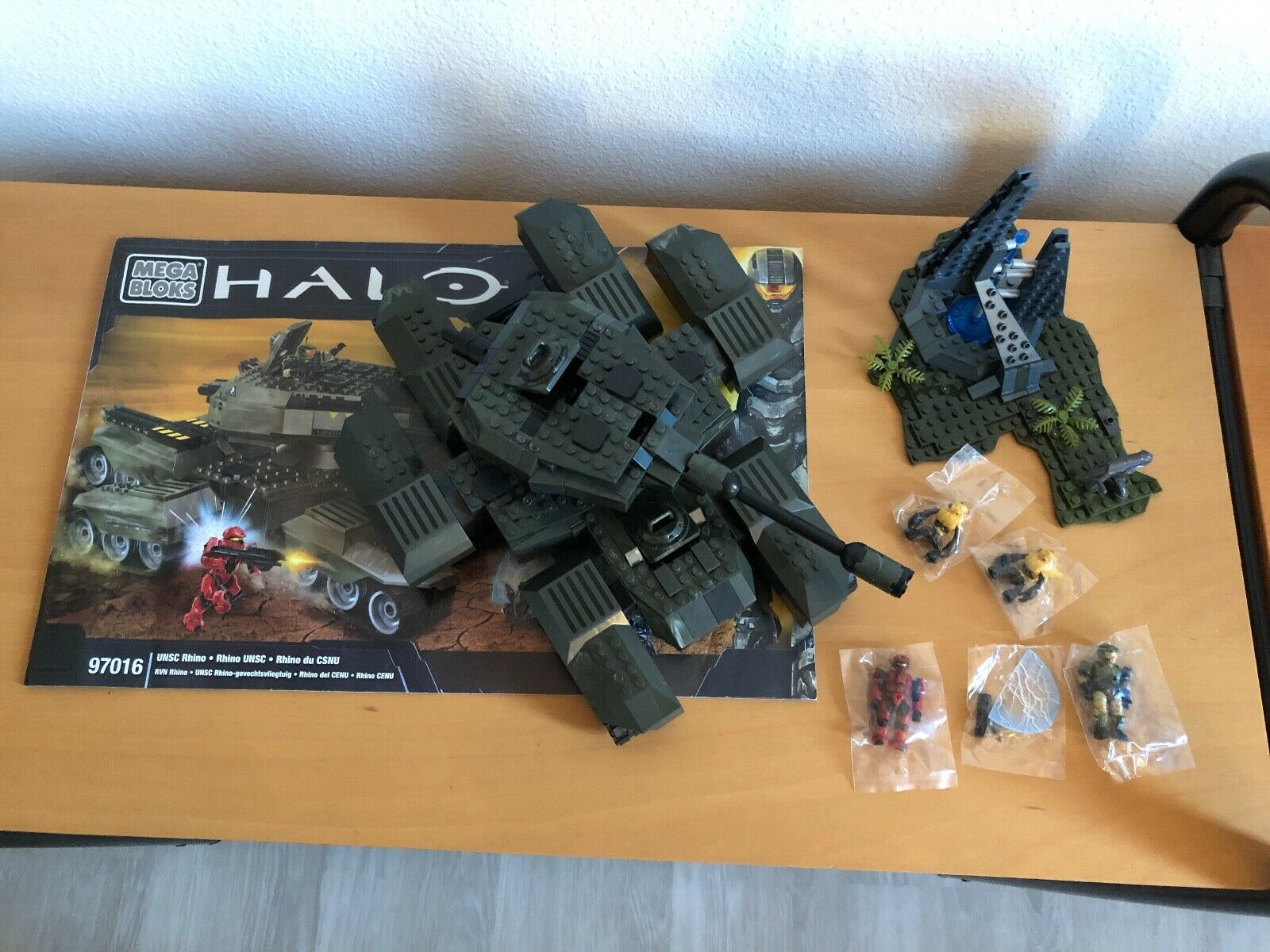 NEW MEGA BLOKS Halo 97016 UNSC Rhino Retired 822 Pieces