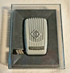 Vintage TELEFUNKEN D9/A  DYNAMIC  MICROPHONE DM 60881 with case