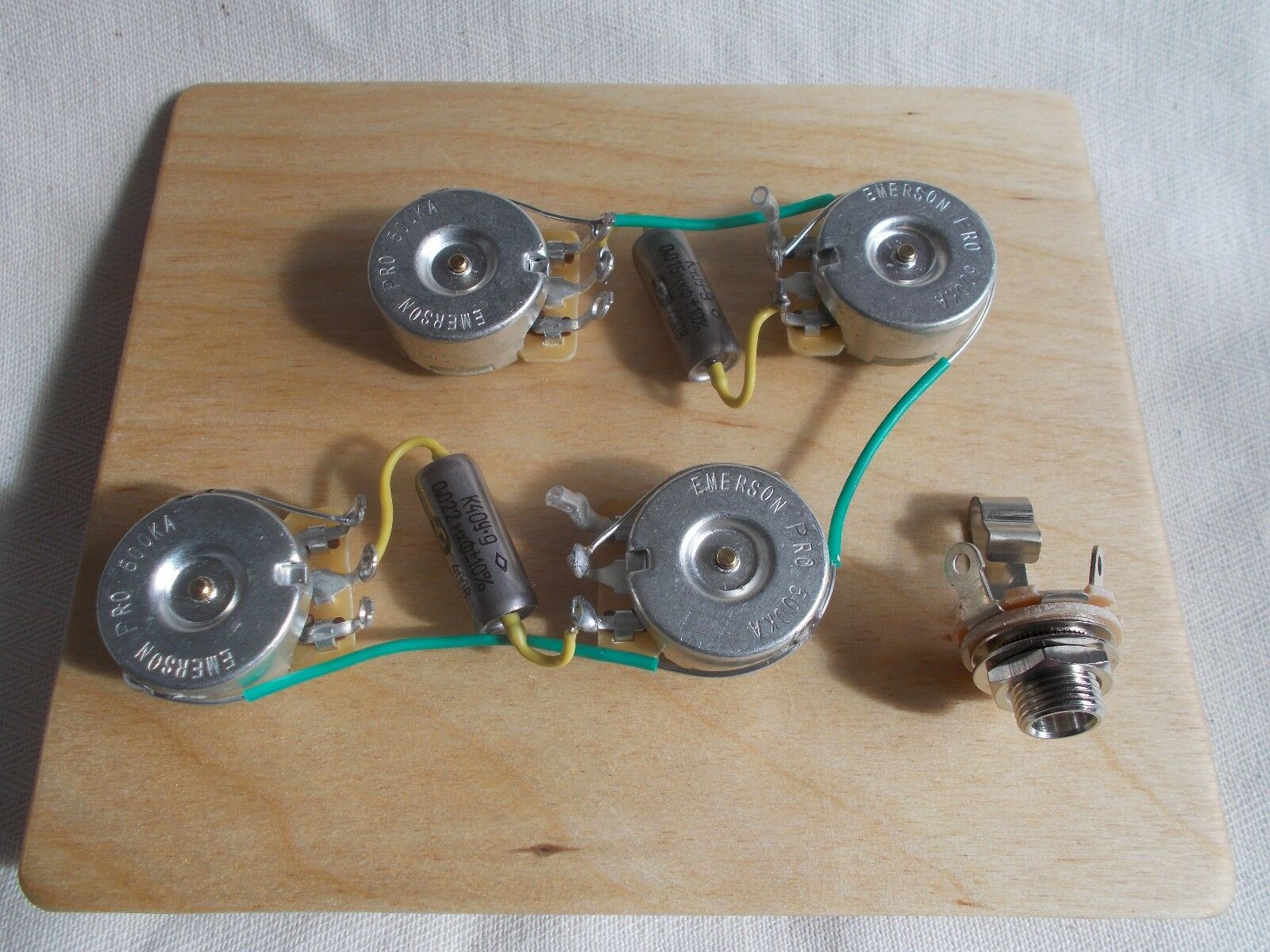 Les Paul Pre-Wirot Harness (Variations available)