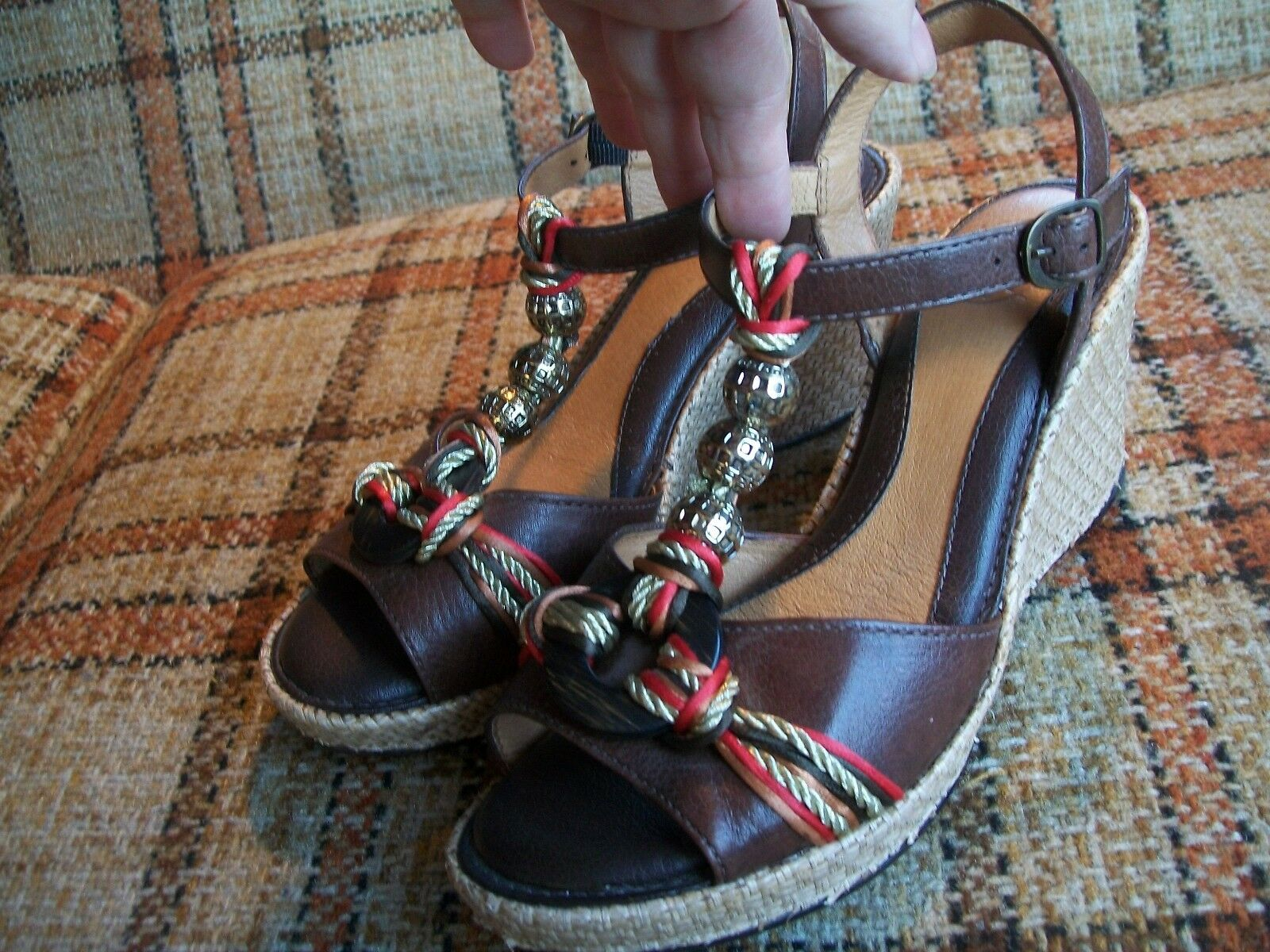 Nurture Womens Size 8M Brown Leather Sandals Wedge (Heels = 3.25