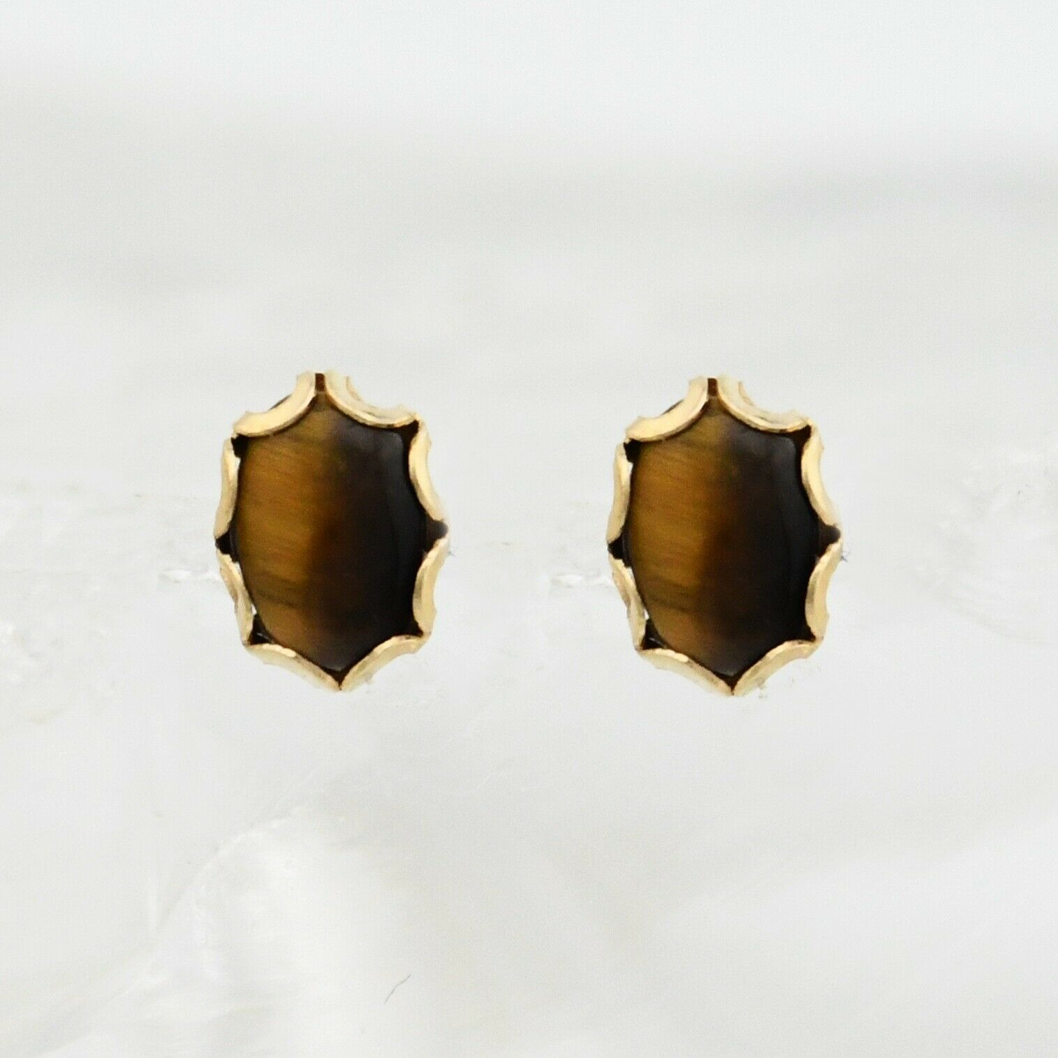 14k Yellow gold Estate Oval Tiger Eye Post Earrings