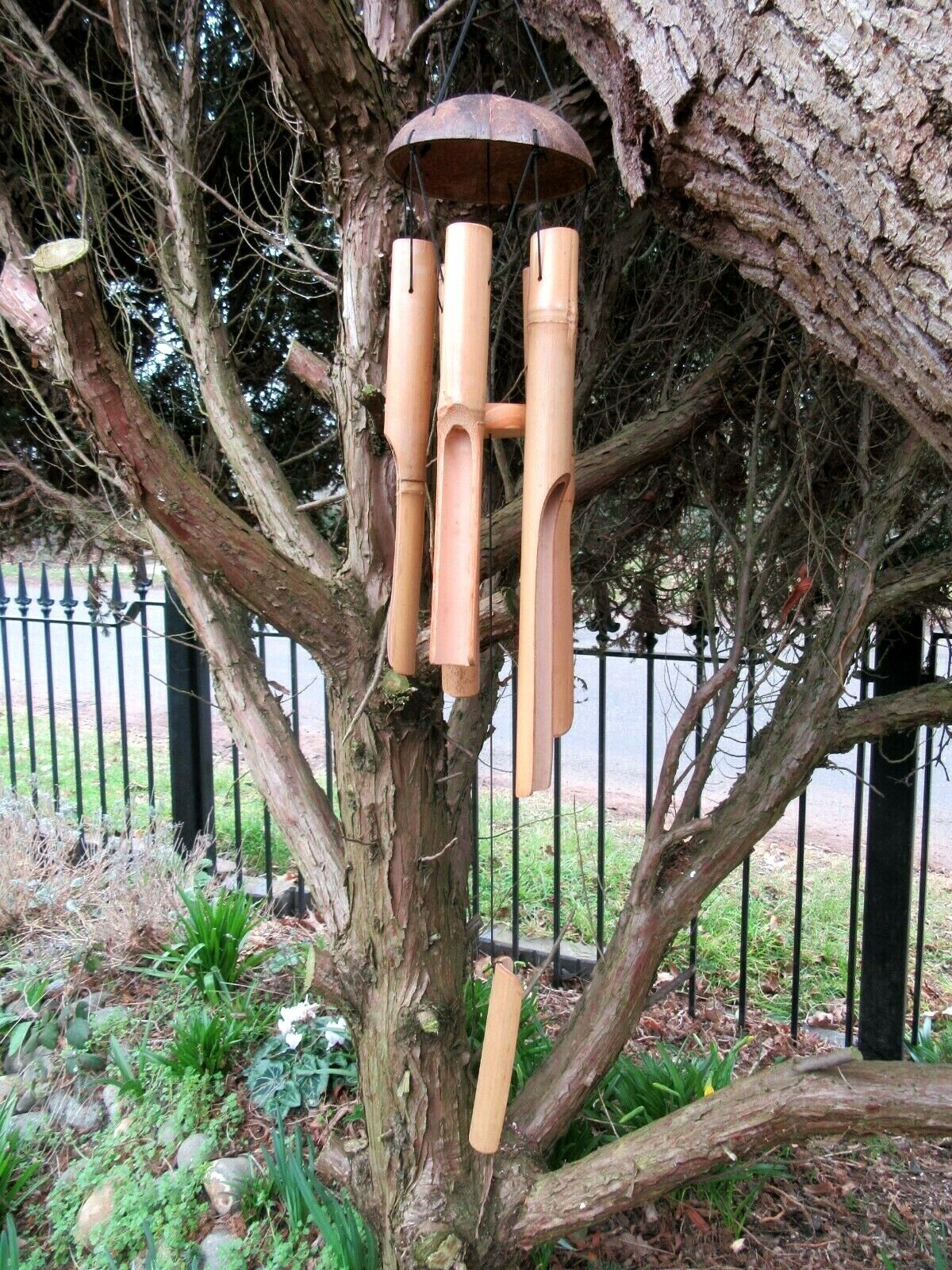 NATURAL BAMBOO COCONUT SHELL WINDCHIME / HANDCRAFTED GARDEN ORNAMENT