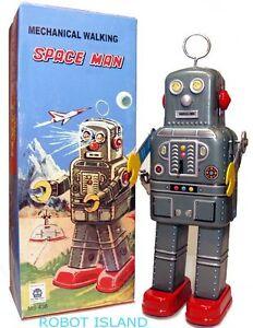Mechanical Walking Spaceman Windup Robot Tin Toy with Antenna