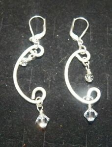 THE-AMERICANS-PAIGE-HOLLY-TAYLOR-PRODUCTION-WORN-JEWELRY-PAIRS-OF-EARRINGS-B1