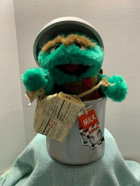Telco Oscar The Grouch Animated Figure Motionette Sesame Street Christmas