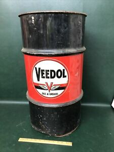 """VEEDOL """"FLYING V""""  TIDEWATER COMPANY OIL AND GREASES BARREL 120 Pound"""