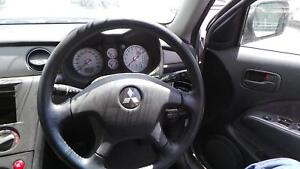 MITSUBISHI-OUTLANDER-STEERING-WHEEL-LEATHER-ZE-ZF-02-03-09-06-03-04-05-06