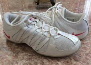 f8dccb721e935d NIKE Musique IV Women s White Pink Athletic Training Shoes Size 8 ...