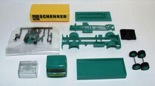 Herpa 013321 Bausatz MiniKit MB Planen LKW Schenker 1:87