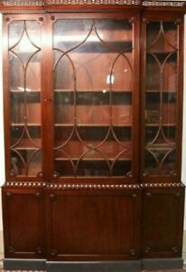 KITTINGER-Colonial-Williamsburg-Chippendale-Mahogany-Breakfront-Bookcase-CW-38