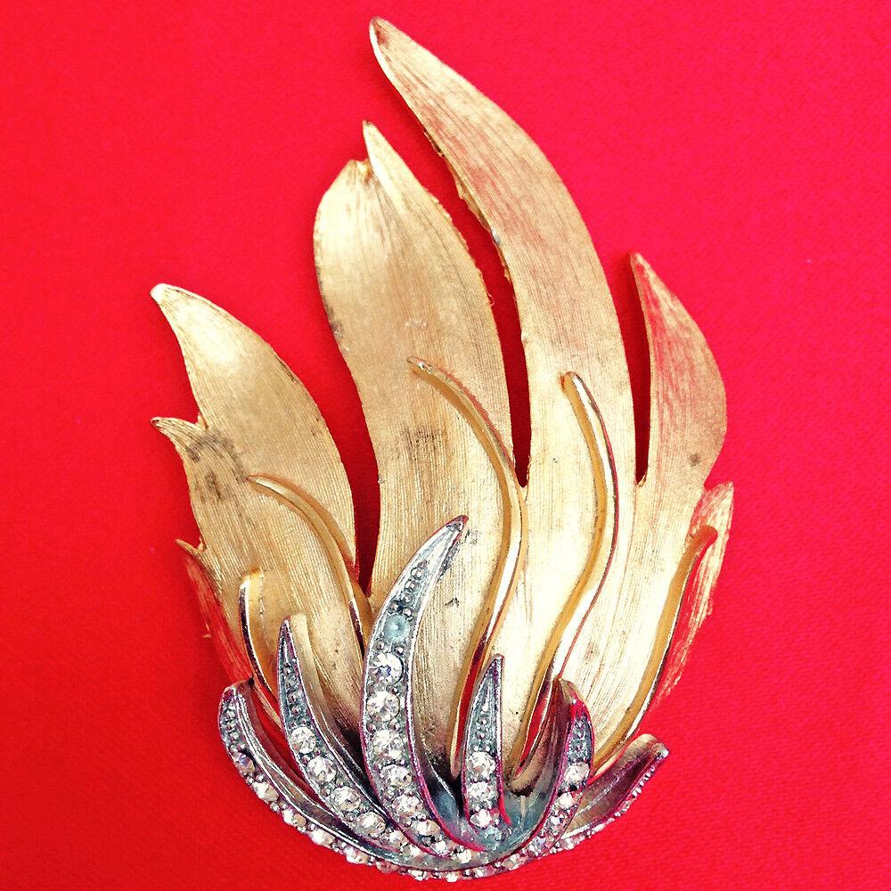 Vintage 1940's Art Moderne Art Deco gold Tone Flame Rhinestone Brooch
