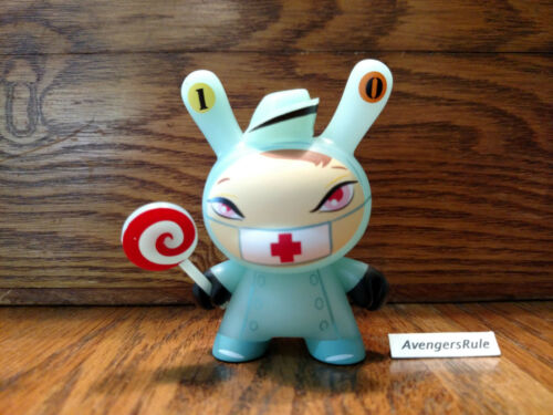 The 13 Horror Comes Slithering Back Brandt Peters Kidrobot #10 Nurse Cackle 3//40