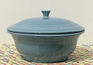 Fiestaware-Periwinkle-Covered-Casserole-Retired-Style-70-oz-Fiesta-Blue-Bakeware