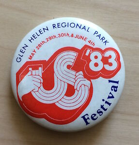 Vintage-1983-US-FESTIVAL-pin-button-badge-David-Bowie-The-Clash-U2-Pretenders-CA