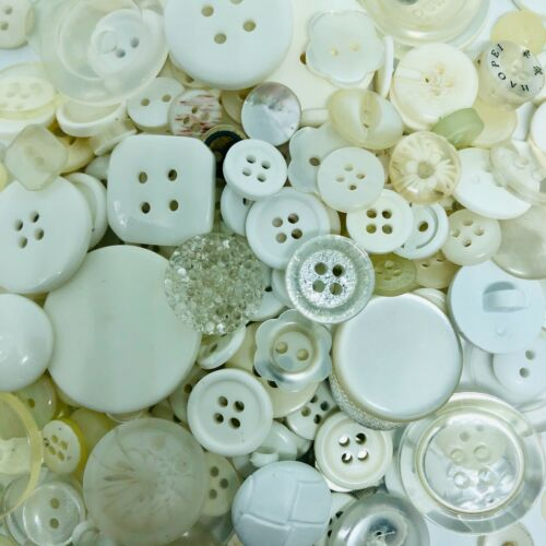 Various Sizes Buttons Mix 100g Assorted New /& Old
