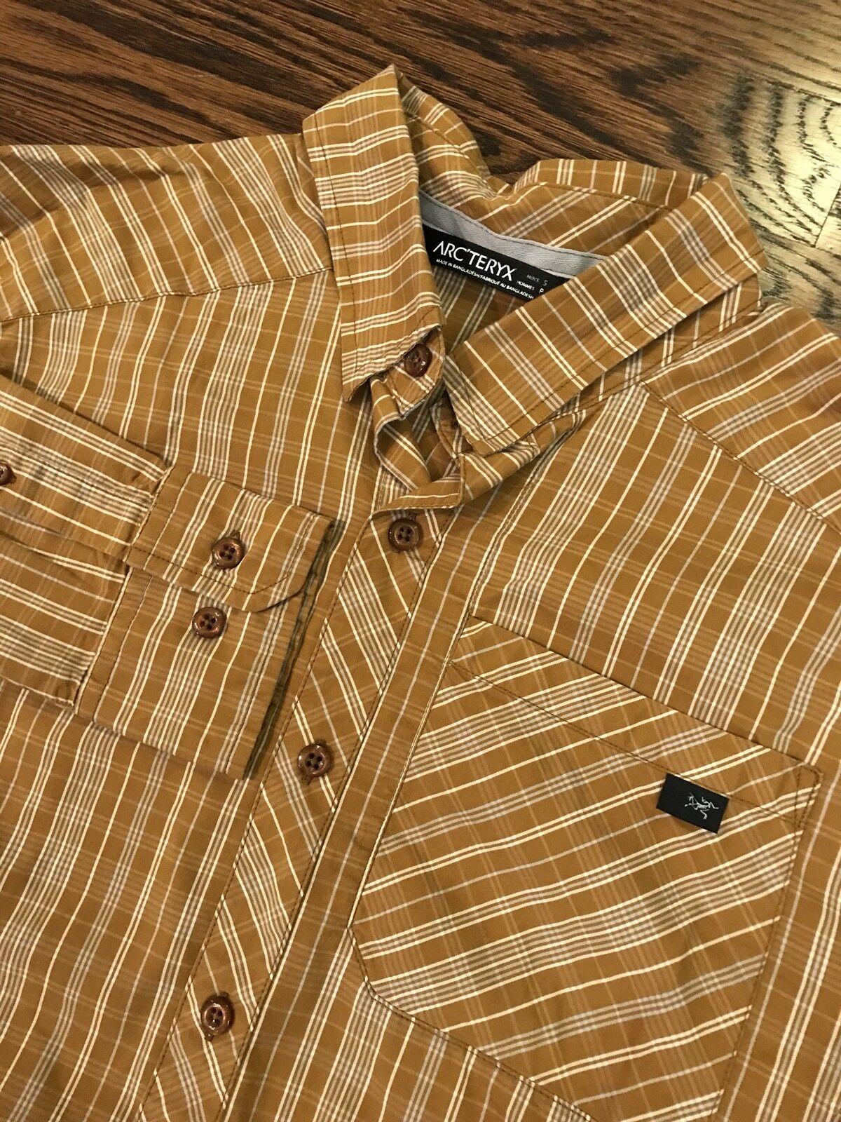 Arc'teryx Men's Sz Small Long Sleeve Hiking Shirt Button Front