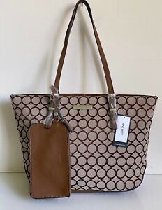 NEW-NINE-WEST-SOCIETY-GIRL-BROWN-LARGE-SHOPPER-TOTE-BAG-PURSE-w-WRISTLET-POUCH