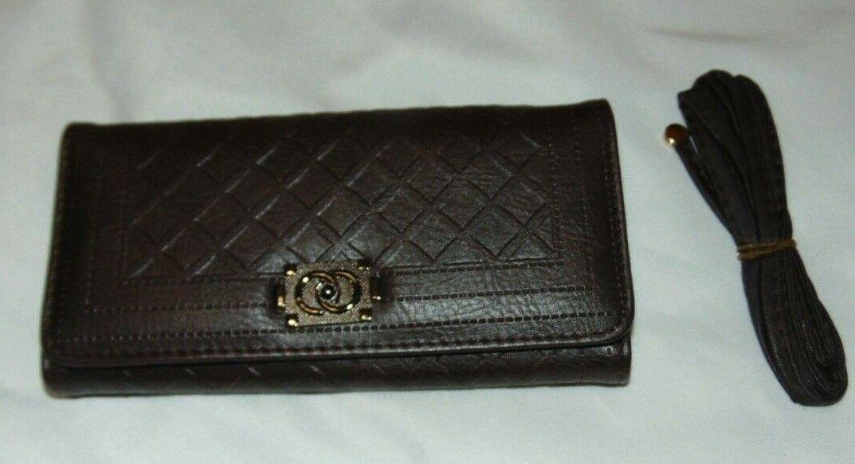 NWT Women BE LEATHER Dark Brown Magnet Tri-Fold CLUTCH Wallet Lattice w/Strap