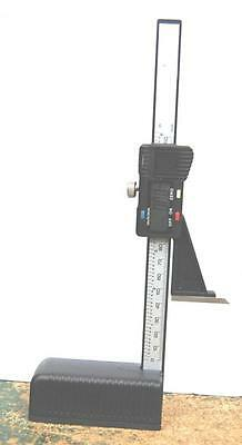 """WOODWORKERS DIGITAL HEIGHT GAUGE 6""""/150 mm WITH SCRIBER FROM CHRONOS"""
