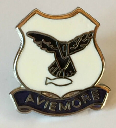 T0137 Aviemore Scotland Small Enamel Lapel Pin Badge