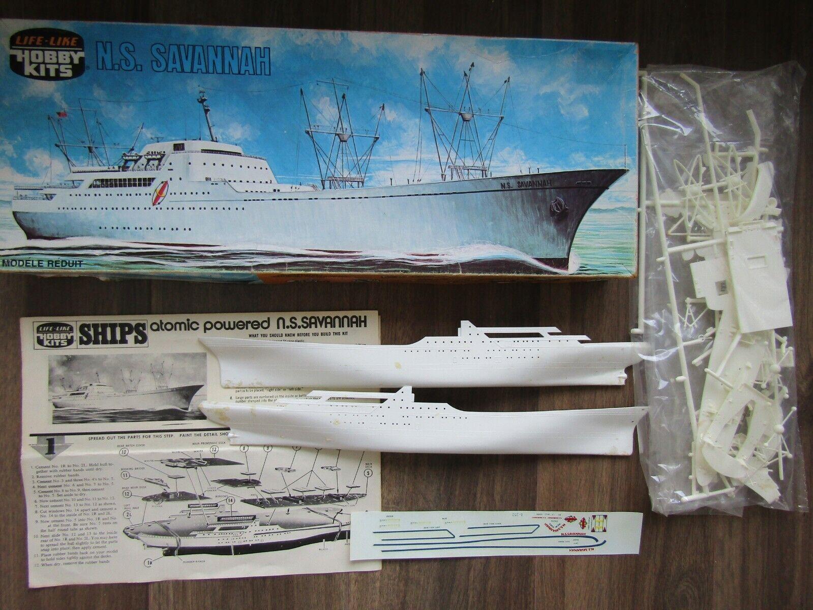 HS SAVANNA MERCHANT SHIP  FIRST NUCLEAR POWERED 1960  LIFE-LIKE 1 400