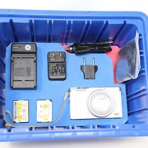 FUJIFILM 12 Cámara Digital Mp Blanco XQ2 Con / Accesorios