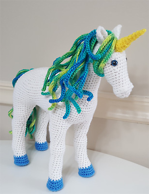 Rainbow Unicorn Amigurumi Project - Ami Amour | 400x308