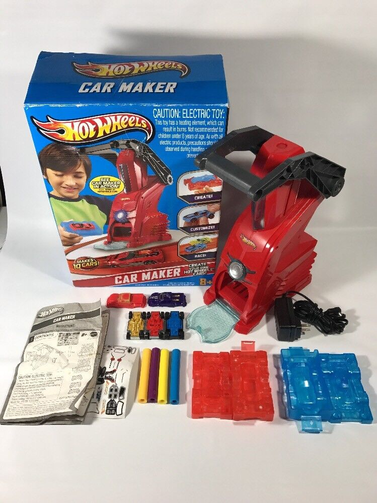Hot Wheels Car Maker in Box 2012  Great Condition Tested And Working Z4