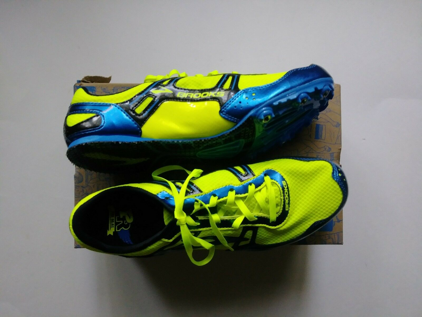 Brooks Mens 9.5 Spiked Running Shoes Neon Bob Hayes Invitational PR MD 46.61 NIB