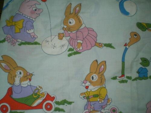 65cm x 62cm Vintage RICHARD SCARRY ANIMAL Fabric