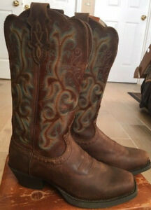Justin Cowboy Boots Embroidered Apache Stampede Square Toe
