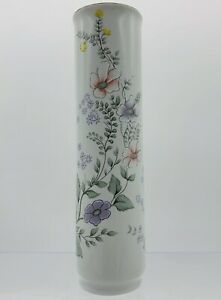 "VTG Hand Painted Flowers LEART PORCELAIN BUD VASE 7 5/8 "" Tall MADE IN BRAZIL"
