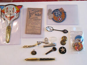 LOT OF VINTAGE MEMORABILIA AND COLLECTIBLE ITEMS TUB D