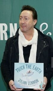 "JULIAN LENNON SIGNED BOOK ""TOUCH THE EARTH"" + 4 REAL EVENT PHOTOS - JOHN BEATLES"