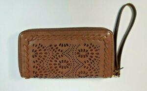 Under One Sky Double Zipper Wristlet Wallet Brown / Gold Excellent Condition