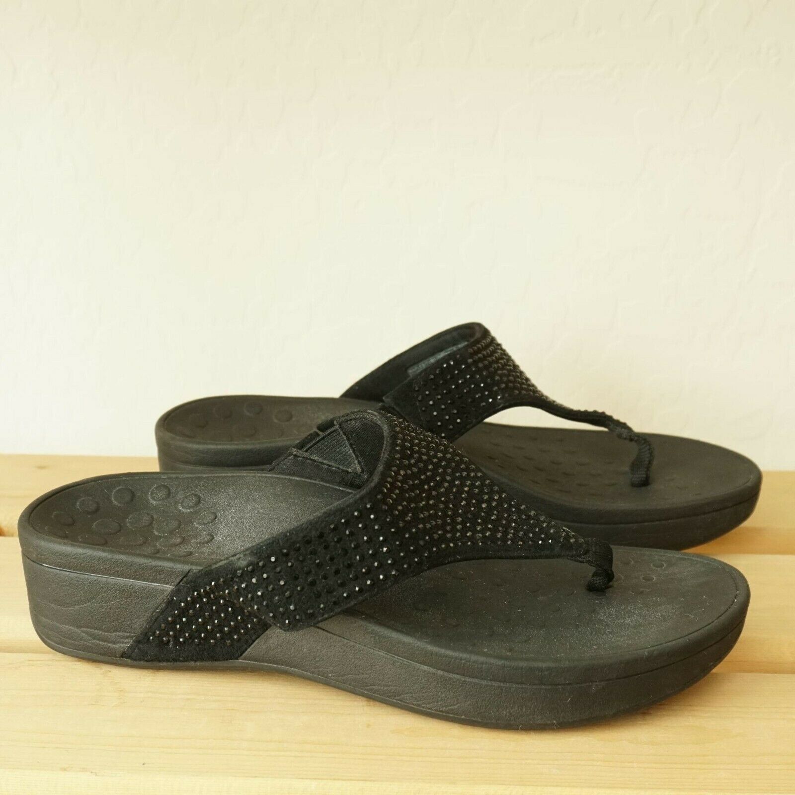 Vionic Orthaheel Lima Suede Thong