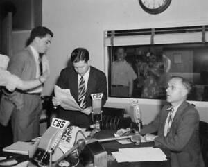 OLD-CBS-RADIO-TV-PHOTO-Cbs-News-Radio-Reporter-Douglas-Edwards-1