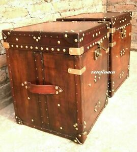Pair-Of-Finest-English-Leather-Antique-Inspired-Side-Table-Trunks-Halloween-ZA09