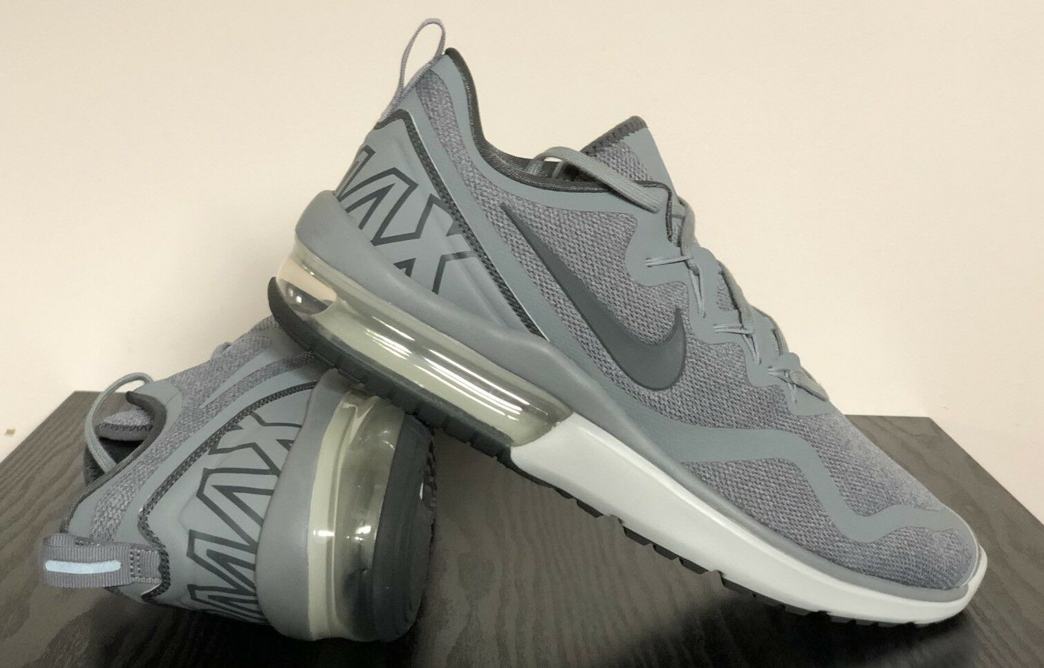 Authentic Nike Air Max Fury Wolf  Grey Stealth  AA5739-004 Mens Size 11.5