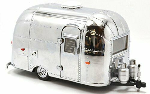 GREENLIGHT 1  24SCALE  AIRSTREAM 16 'BAMBI SPORT  (CHROME EDITION) Green Light