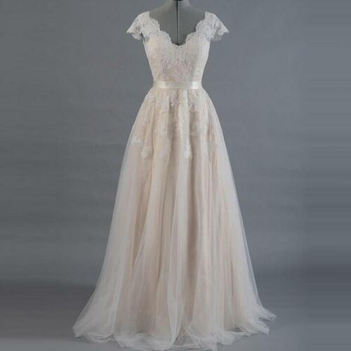 Women Lace A-line Wedding Thin Dress Lace Sleeve V-back Bridal Gown with Tulle