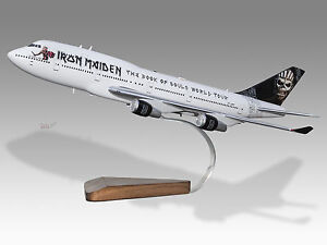 iron maiden boeing model book of souls ed force 1 747 400 1 200 scale plane rare ebay. Black Bedroom Furniture Sets. Home Design Ideas